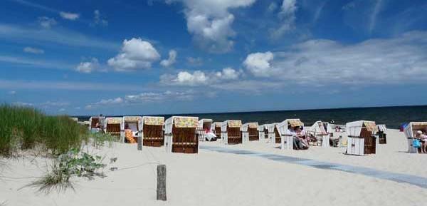 Weißer Sandstrand auf der Ostsee-Insel Usedom